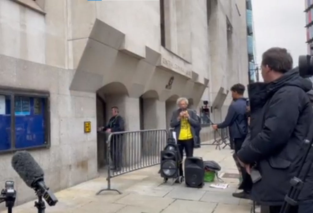'Staggeringly inappropriate': Outrage as Piers Corbyn protests lockdown at Sarah Everard murder sentencing