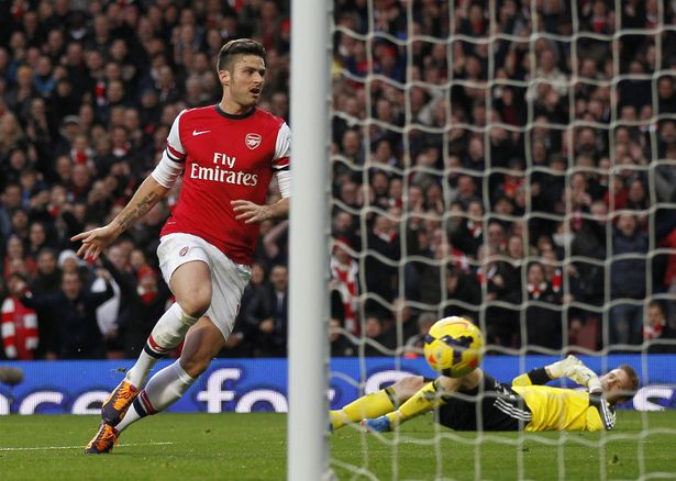 Olivier Giroud scored for Arsenal after Artur Boruc got himself in a spin