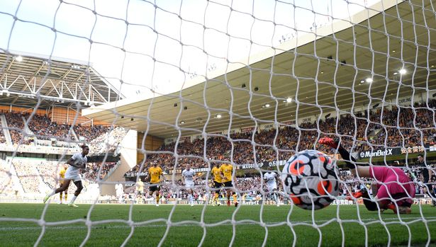 Brentford's Ivan Toney scores their first goal past Wolverhampton Wanderers' Jose Sa