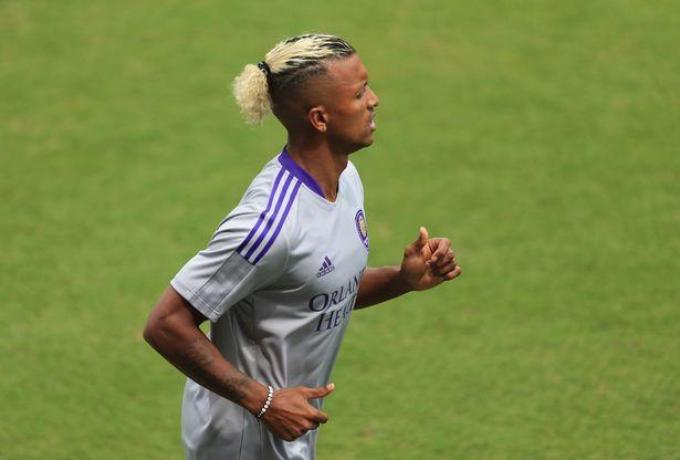 Nani (17) warms up before the game against Atlanta United at Orlando City Stadium