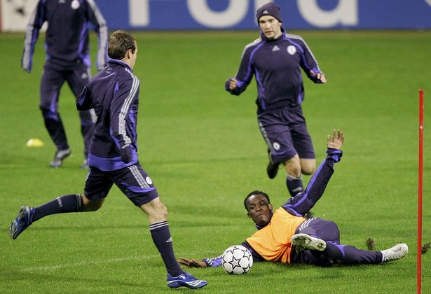Michael Essien in action during the Chelsea training sessionon November 21, 2006 in Bremen, Germany.Chelsea will play against Werder Bremen in the UEFA Champions League at the Weser Stadium on November 22, 2006 in Bremen, Germany.