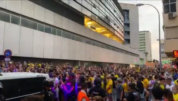 "Cadiz fans taunt Barcelona ahead of their LaLiga fixture chanting ""Donde esta Leo Messi""? (""Where is Leo Messi?"")"