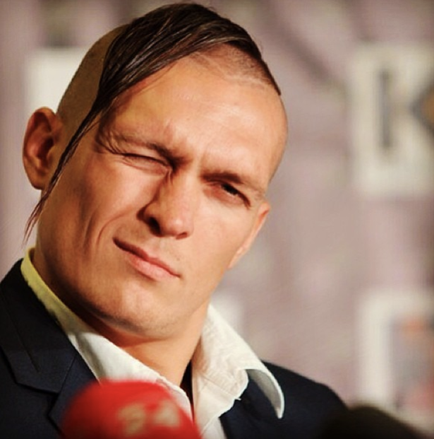 Oleksandr Usyk likes to stand out in a crowd