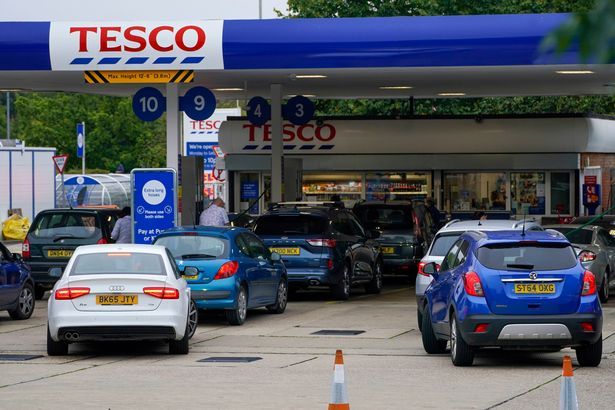 Motorists queue for fuel at a Tesco Petrol Station in Bracknell, Berkshire. Picture date: Saturday September 25, 2021.
