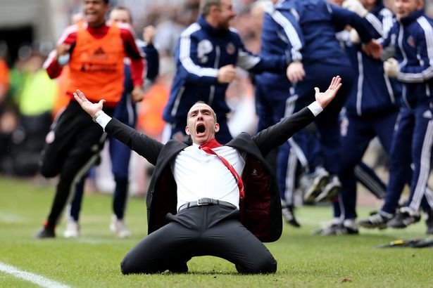 Di Canio's iconic celebration after Sunderland's second goal in the 3-0 win over bitter rivals Newcastle