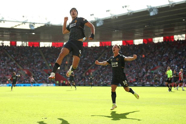 Raul Jimenez of Wolverhampton Wanderers celebrates after scoring their side's first goal during the Premier League match between Southampton and Wolverhampton Wanderers at St Mary's Stadium on September 26, 2021