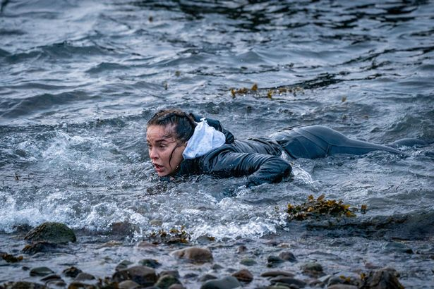 Vicky Pattison 'bravely' swimming in a river