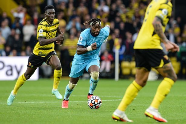 Allan Saint-Maximin of Newcastle United FC (10) runs with the ball during the Premier League match between Watford and Newcastle United at Vicarage Road on September 25, 2021 in Watford, England.