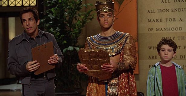 Ben Stiller, Jake Cherry, and Rami Malek in Night at the Museum (2006)