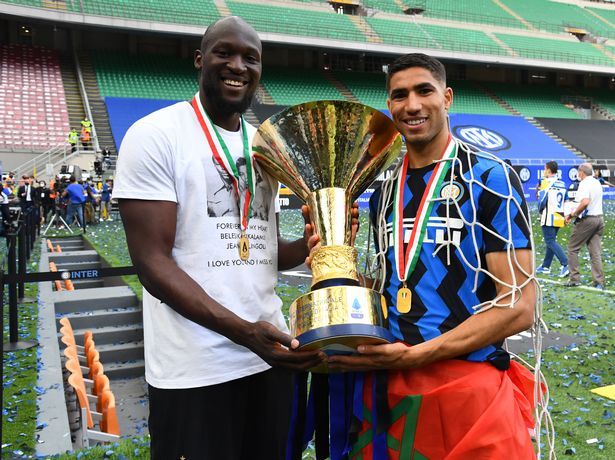 Achraf Hakimi with new Chelsea signing Romelu Lukaku after winning the Serie A title last season