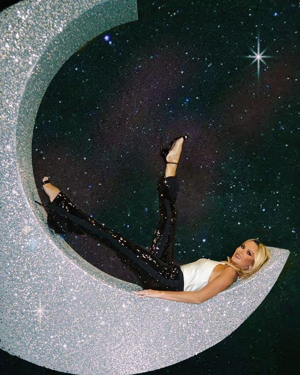 Amanda showcased her flexibility in tight trousers