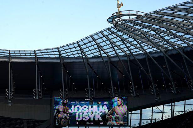Anthony Joshua fans boo Oleksandr Usyk's Ukraine anthem before fight