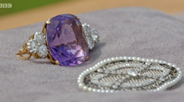 Antiques Roadshow fans floored as royal jewels are brought to expert in plastic bag