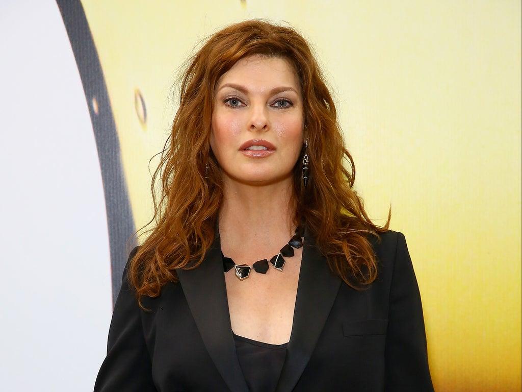 Celebrities support Linda Evangelista as she reveals cosmetic procedure left her 'disfigured'