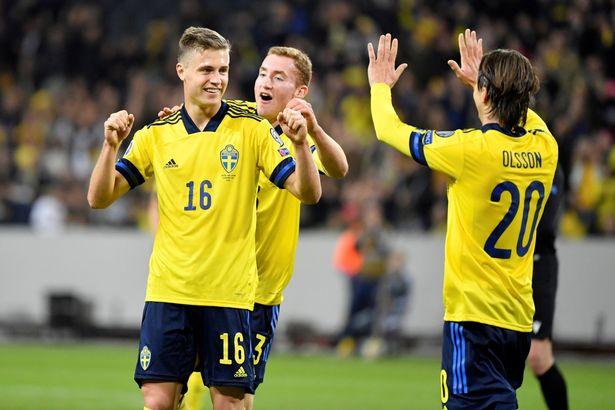 Sweden's Mattias Svanberg celebrates his 2-0 goal with Dejan Kulusevski and Kristoffer Olsson.
