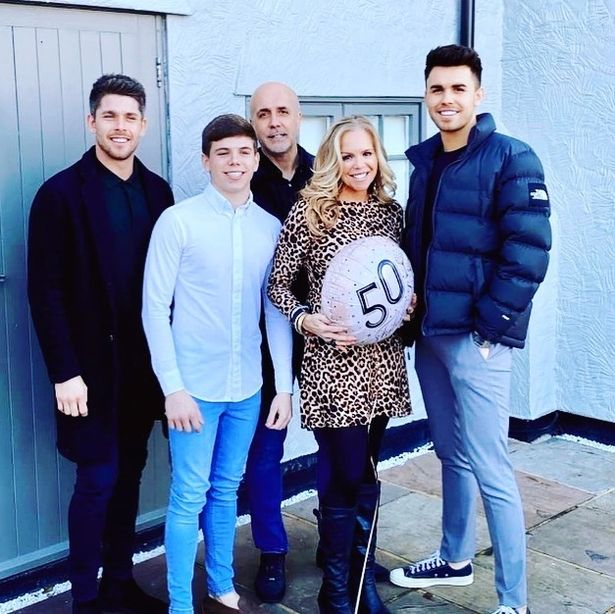 Image of GOGGLEBOX baggs family