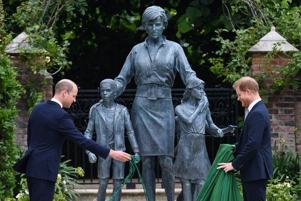 Harry and William at Diana Statue