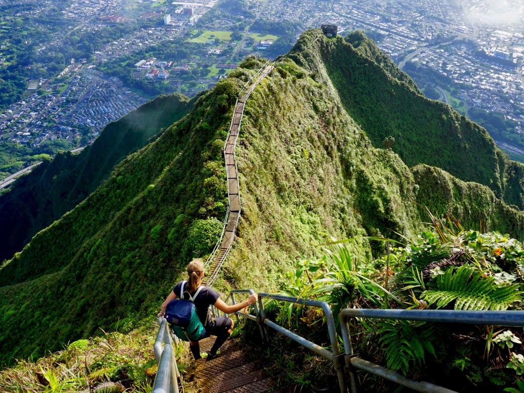 Hawaii to spend $1m removing famous-but-dangerous 'Stairway To Heaven'