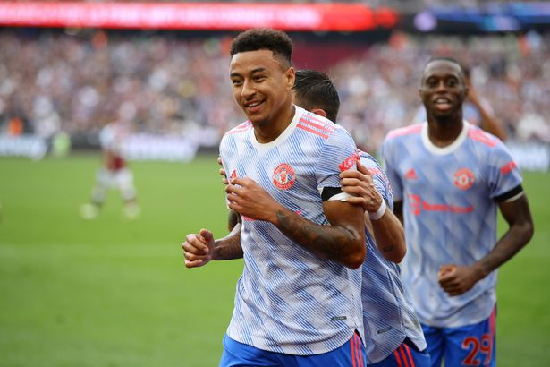 """Man Utd star Jesse Lingard sent transfer plea by West Ham fans with """"come back"""" chant"""