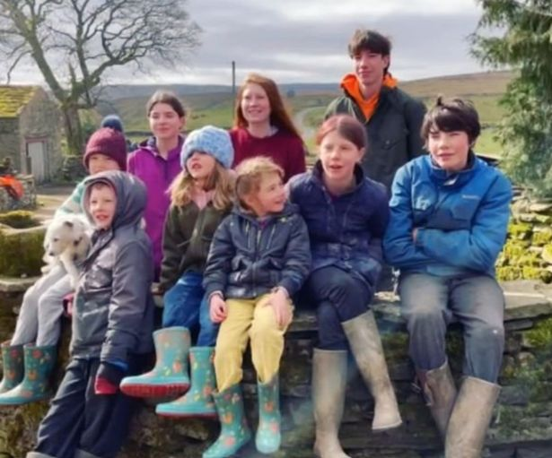 Image of AMANDA OWEN and her family - nine children and husband clive from Our Yorkshire Farm