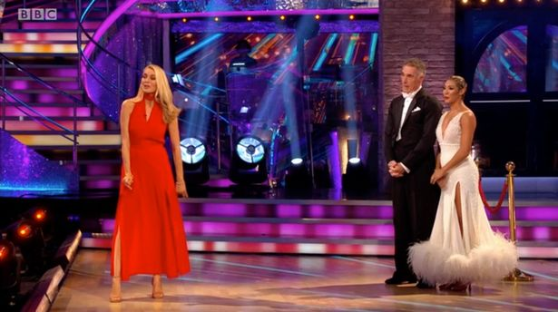 Strictly viewers stunned as 'tetchy' Shirley Ballas has a pop at Claudia Winkleman