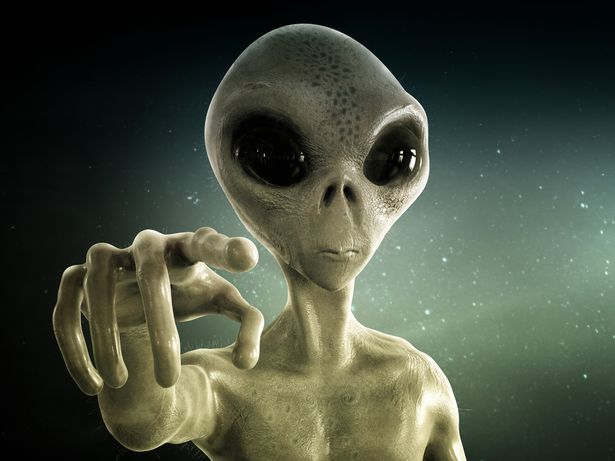 Uri Geller taken into secret NASA base and shown crashed UFO 'breathing'
