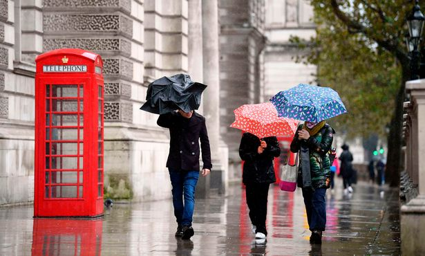 UK weather: North-south divide with 'sunny spells' for some and 'hailstorms' for others