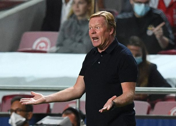 Barcelona's Dutch coach Ronald Koeman reacts during the UEFA Champions League first round group E footbal match between Benfica and Barcelona at the Luz stadium in Lisbon