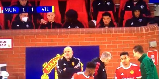 Donny van de Beek's unhappiness is obvious on the United bench
