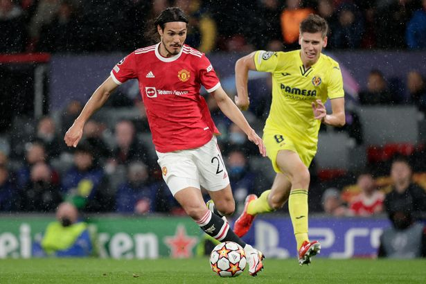 Edison Cavani of Manchester United, Juan Foyth of Villarreal during the UEFA Champions League match between Manchester United v Villarreal at the Old Trafford on September 29, 2021 in Mancheste