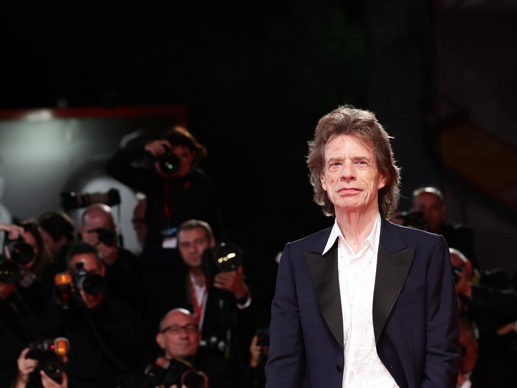 Mick Jagger visited a bar—and no one knew who he was