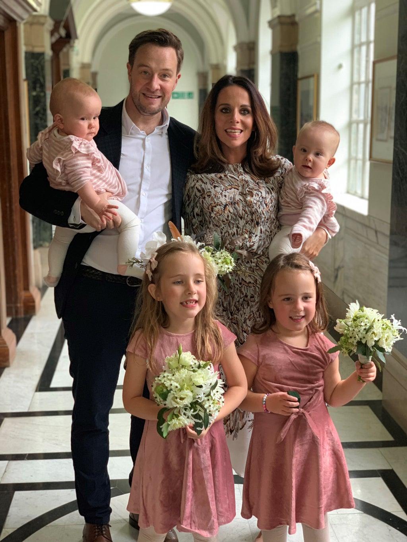 Widow marks wedding anniversary among Macmillan's London Marathon runners